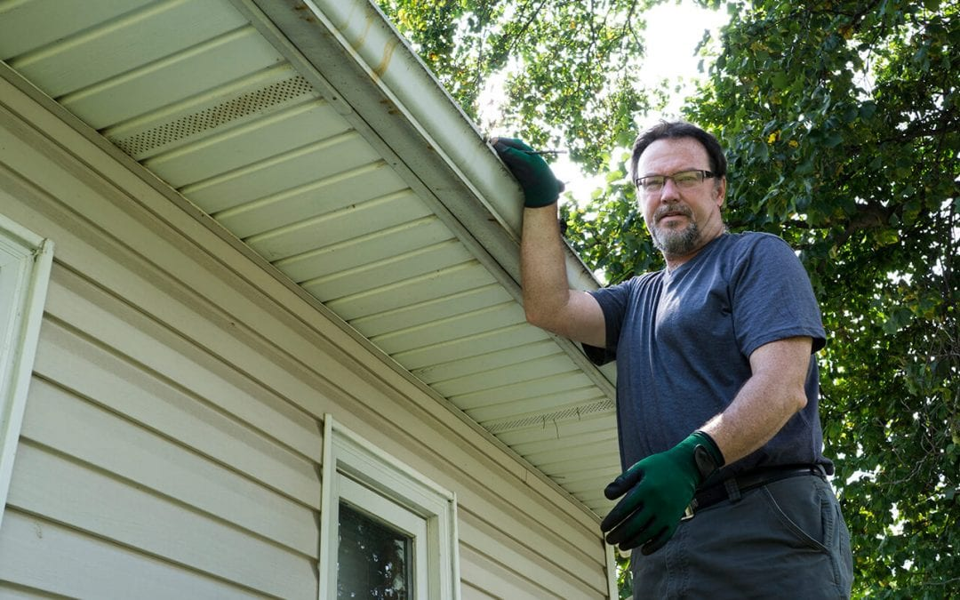 Cleaning Gutters Made Simple in 5 Steps